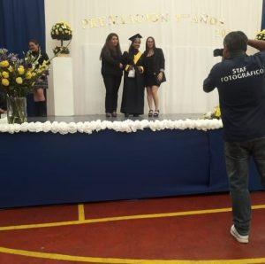 Ceremonia cuartos medios, el CEPA realizo un presente a los alumnos destacados